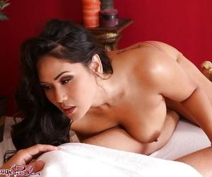 Bodacious brown-haired massagist Jessica Bangkok getting..