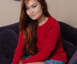 Asian college woman Saber Takestita jerks her hairless..
