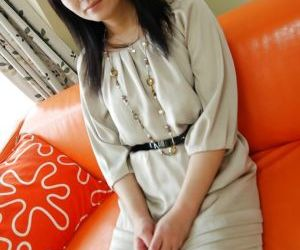 Cuddly asian Mummy Chisato Miura takes off down and gets..