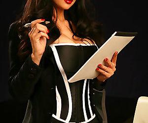 Hot pornstar MILF Tera Patrick posing in sexy lingerie-..