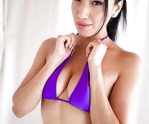 Latina girls Morgan Lee & Vicki Chase finger ass while..