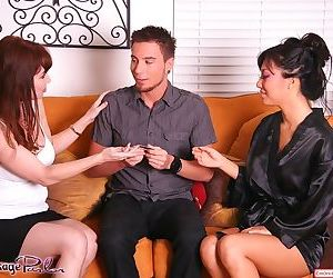 Sexy Asian masseuse Asa Akira gives happy ending for hot..