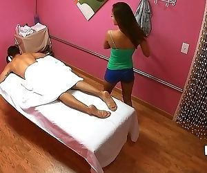 Asian masseuse Alina Li aims her mouth at hard and tasty..