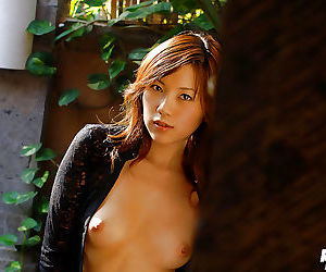 Fuckable asian babe Asami Ogawa uncovering her tempting..