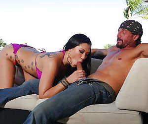 Tattooed Asian pornstar London Keyes giving big cock a..