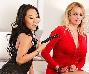 Hot lesbian pornstars Asa Akira and Stormy Daniels toy..