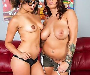 Pornstars Annie Cruz and Lylith LaVey share double dildo..