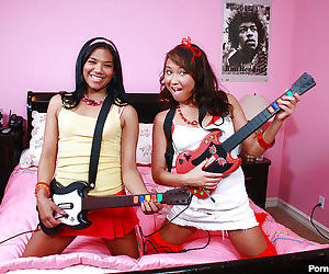 Young teens Asian and Latina Jesse and Emy banging a huge..