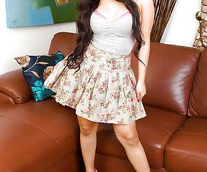 Gracious amateur Asian actress Amy Latina spreads her..