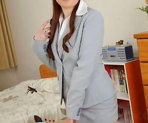 Hot teacher babe sae showing off - part 2917