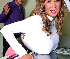 Asian bigtit star minka since 1994 took job in office -..