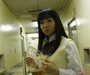 Hot schoolgirl sucking a big dong - part 2425