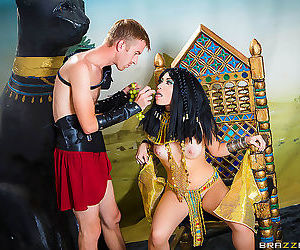 Rina ellis learns about cleopatra in brazzers sex..