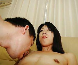 Naughty asian gal Makoto Aikawa gets her pussy fingered..