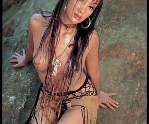 Vintage pornstar squaws fingering & anal fucking on a rock..