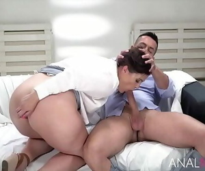 The Surprise Anal With Nasty MILF- Montse Swinger 8 min 720p