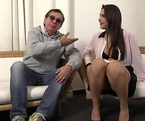 Valentina Nappi, une jeune salope qui ne pense quau sexe
