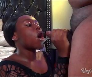 Inexperienced thot heads ham on the dick!..
