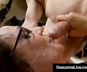 Thick Tit Cougar Deauxma Does Mummy Kelly Madison & Hubby!