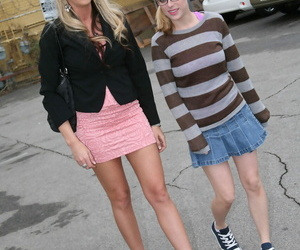 Mom and daughter couple Penny Pax and Sindy Lange go 2 on..