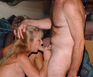 Old swingers take turns big-chested off different men at..