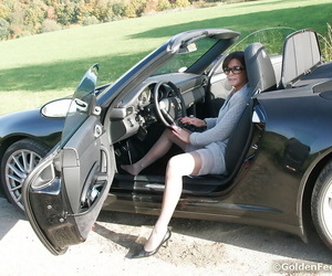 Naughty UK lady Lady Sarah flashing pierced beaver outdoors