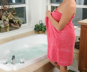 Over 30 lady with crimson hair Elexis Monroe sinks her..