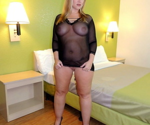 Huge inexperienced Dee Siren does a DP with black and..