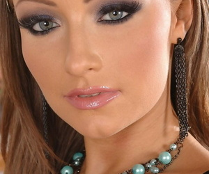 Stunning honey Maya rams a enraptured dick in her facehole..