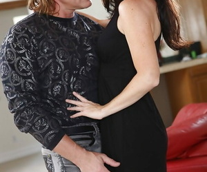 Nice Mummy with scorching arse India Summer making out..