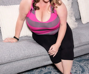BBW Kimmie Kaboom sets her expressed boobs free of..