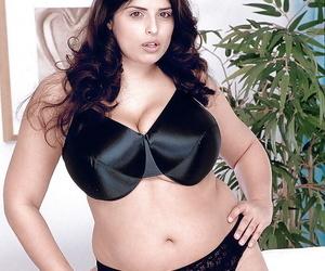 Overweight European adult movie star Kerry Marie exposing..