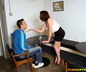 Blinded man receives a great head from a hotty at the CFNM..
