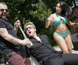 Tatted Latina MILF Lela Starlet likes having cunt ate out..