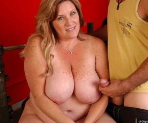 Close ups of busty fat woman Deedra taking money shot on..