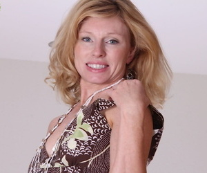 Nice light-haired mature mega-bitch with little boobs..