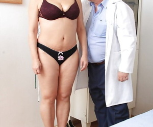 Gyno vignette features mature pussy of a marvelous..