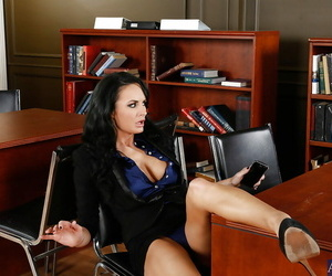 Dirty office milf Alektra Blue worships toying role of..