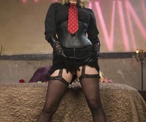 Divine Bitches Maitresse Madeline Marlowe- Tony Orlando-..