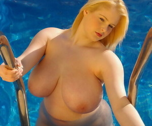 Angry looking naked fatty Ashley Sage Ellison flaunts her..