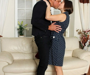 Horny Mummy Jamie Ray on her knees for deep blowjob and..