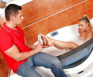 Hot bathtub with marvelous Chlo Lacourt and her awesome man
