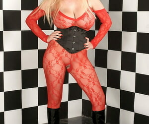 Magnificent blond with gargles eyes Kali West rare her..
