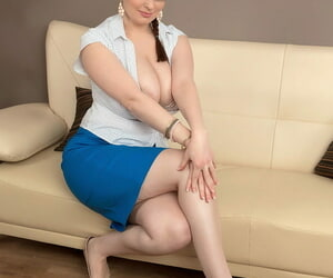 Hot job seeker Sofie Fashion uses her ginormous fat..