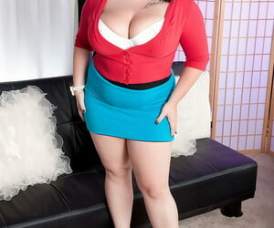 Thick solo woman Harley AnnHarley Ann uncups her huge..
