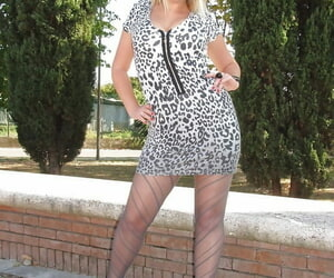 Ash-blonde fatty honey Vanessa displaying her luxurious..