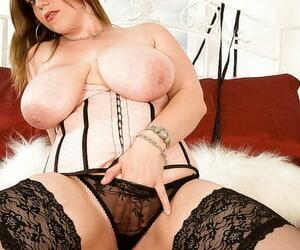Impressive BBW Amber Lee puts her horny hand in the panties.