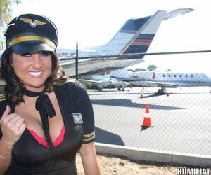 Stewardess Lizzy Styles interchanges jizz loads after..