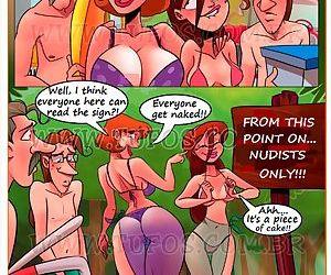 Familia Sacana 12 - At The Nude Beach 2