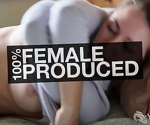 Gorgeous MILF Eva MasturbatingHD+